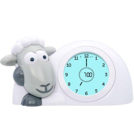 Sam le mouton est éveillé, écran vert et yeux ouverts il est l'heure de se lever